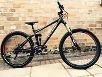 Cube stereo 140 HPA race mountain bike