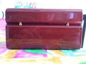 Omega Polished mahogany watch box West Island Greater Montréal image 6