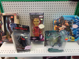 COLLECTABLE FIGURINES SPECIAL SALES