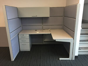 Refurbished Office Cubicles Like New Condition Any Size & Colour Windsor Region Ontario image 7