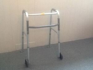 Marchette pour personne handicapée
