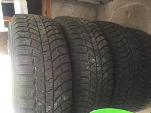 Ford f 150 winter tire 265/70 R 17 for sale