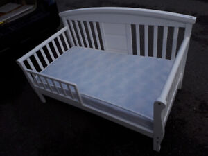 Childs Bed        (201)