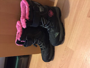 Winter boots size8 25cm