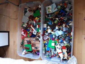 Jeux Lego. Jeux Playmobil. 150$