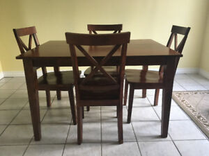 Beautiful Dark Wood Dining Set, Table & 4 Chairs Included