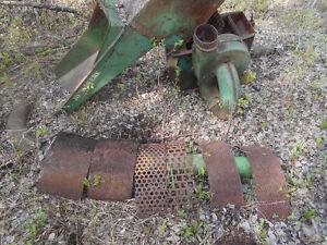 John Deere hammer mill, feed grinder with multiple screens