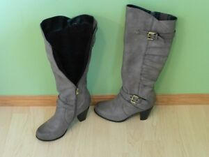 Reitmans lined boots-size 9-leather-look-gray