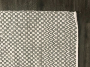 Grey checkered RUG