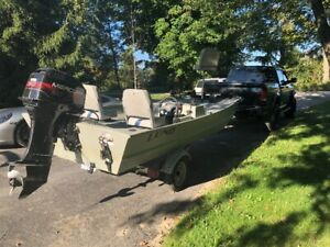 Lund 15' fishing boat with Mercury 30