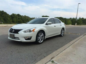 REDUCED---2013 Nissan Altima Sedan!!!