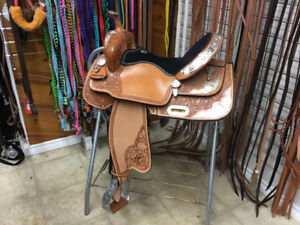 Never used 15in Billy Cook Silver Barrel Saddle