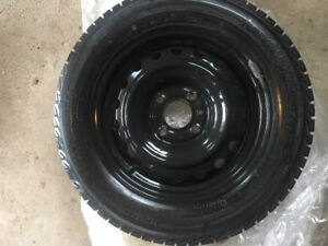 Winter is here! 4 Winter tires like NEW! On rims For sale 185/65