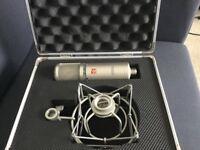 SE 2200a condenser microphone