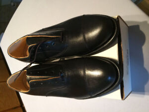 Men's black Oxford shoes size 11