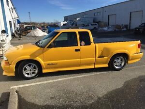 2003 Chevrolet S-10 Extreme Pickup Truck