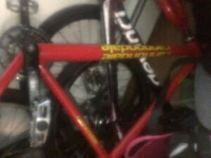 Cannondale fs 700 montaim bike frame
