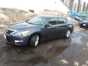 2013 Nissan Altima SL 2.5 only 75600km! Bluetooth, heated seats!