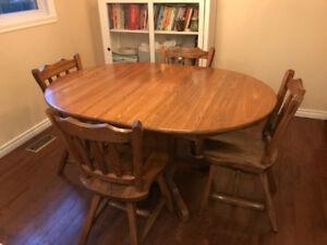 Solid Wood Extendable Table with 4 Chairs, Delivery Possible