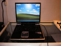 Used Toshiba Tecra S1 Laptop with DVD and Wireless for Sale