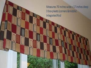 Multi color Valance in excellent condition