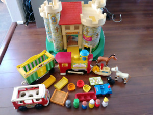 Vintage Fisher Price Little People chateau 993