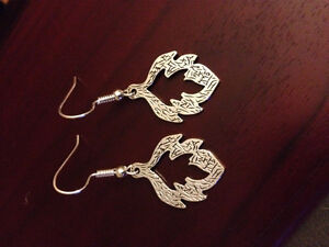 925 silver leaf earrings , new