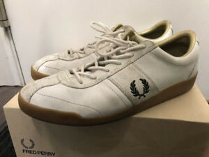 Used Fred Perry Trainers (Size 10.5)