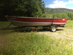 Lund SSV-18 Boat and Trailer NO MOTOR