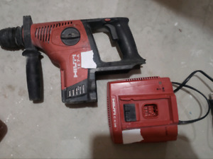 Hilti TE 7A hammer drill with charger