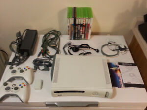 XBOX  360 - Extremely Well Maintained