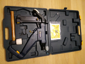 Cloueuse à bois franc Mastercraftneuf, Nail gun hard wood  new