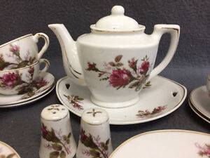 Collectible Antique Small Tea Cup Setting For 6 London Ontario image 4