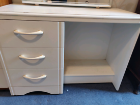 GONE PENDING COLLECTION - FREE - Dressing table