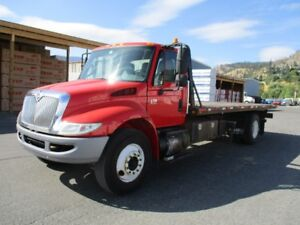 International 4300 Recovery tow deck