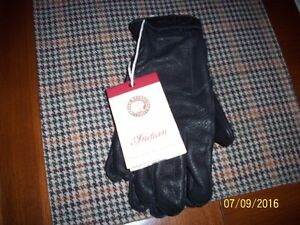 new in bag,indian 100% leather classic gloves,mens medium