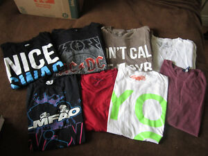 Lot of 8 men's t-shirts -- Size Medium