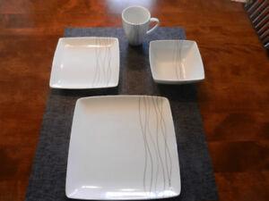 set de vaisselle  16 morceaux
