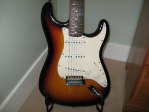 Vintage Modified Stratocaster