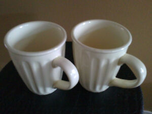 Set of 2 large jumbo coffee mugs off white for sale NEW