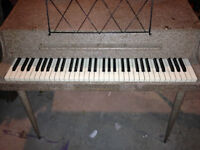 Wurlitzer 112 piano (once owned by Randy Bachman) $900.00