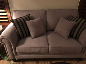 Beautiful Grey Superstyle Couch and Loveseat