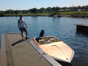 1981 Glastron, CARLSON,16 foot speed boat with 1982 Mercury 115