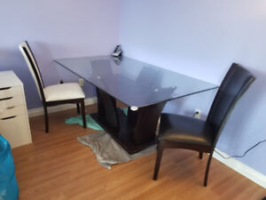 Table & 6 chairs for Sale!