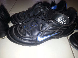 boys soccer shoes size 7