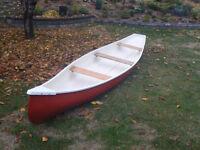 Frontiresman fiberglass canoe