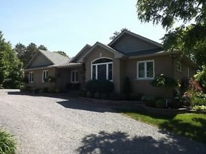 Country Bungalow - 5169 Highway 15 - 3 bedrooms