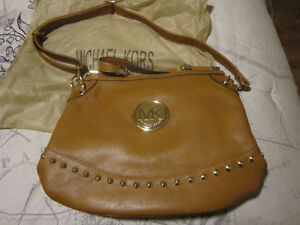 Brand New!! Michael Kors tan leather purse