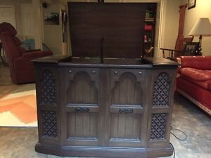 Record player in Cabinet