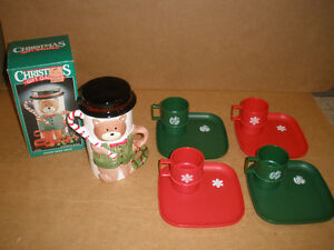 Vintage Tupperware Xmas Mugs & Plates and Bear Snack Server